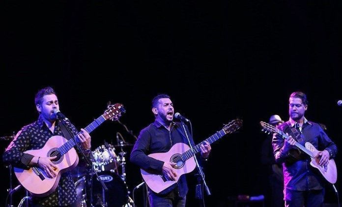 Gipsy_Kings_concert_in_Tehrans_Vahdat_Hall_02