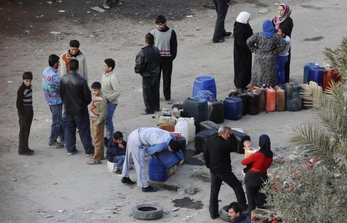 2011-12-05T120000Z_957573658_GM1E7C603Z901_RTRMADP_3_SYRIA