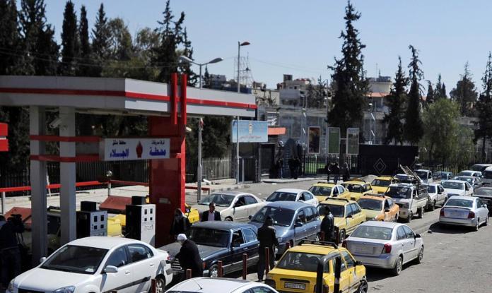 Syrian-fuel-queues-9493954