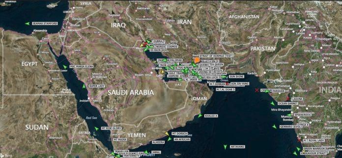 Tanker-traffic-904903494-Hormuz