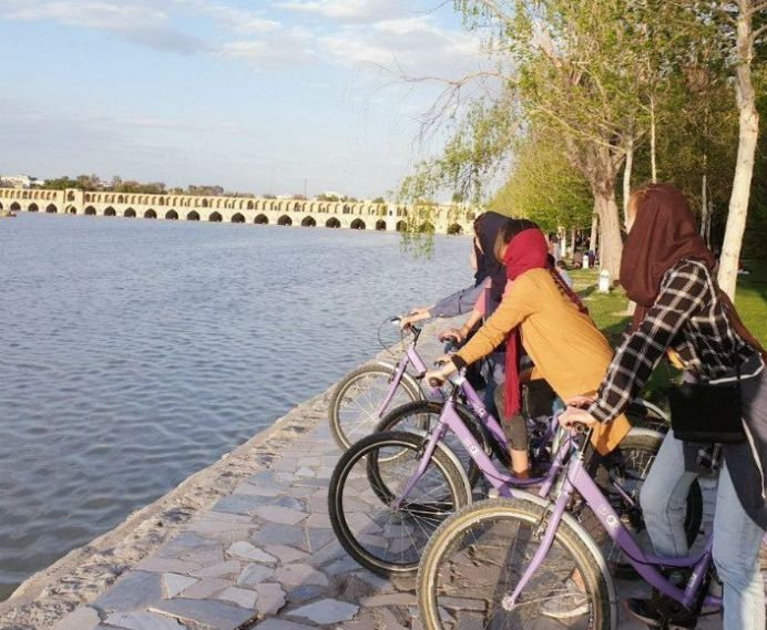 Women in Isfahan. Source: Kayhan London