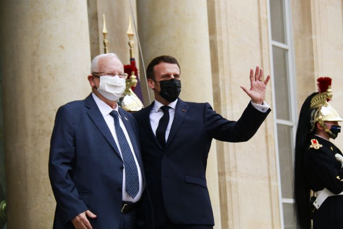 Emmanuel Macron and the Israeli president Reuven Rivlin at the Elysee on March 18, 2021. REUTERS./