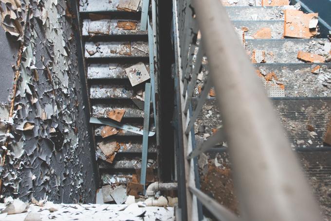 peeling paint, abandoned factory
