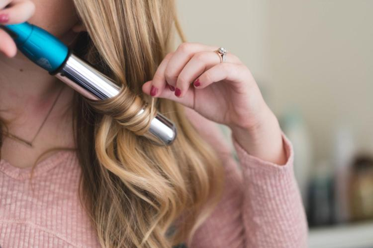 curling technique for loose beachy waves