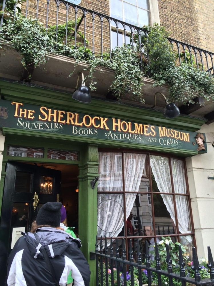 the sherlock holmes museum is one of the many things to do in london