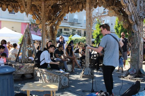 Several musicians serenaded park-goers during the Urban Air Market on May 1st, 2016, playing a variety of music, from acoustic rock to folk. (BayNewsNow/Kaylee Fagan)