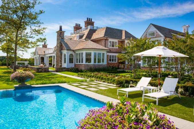 Chapter 31: Rosalie's Family Home in the Hamptons