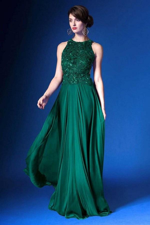 Какие вечерние платья одевать на Новый год 2015?