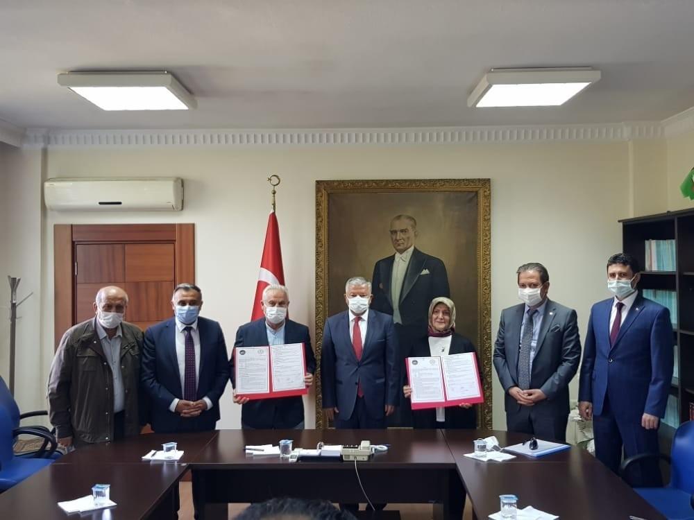 Develi'de yapılacak olan 70 kişilik öğrenci yurdunun protokolü imzalandı