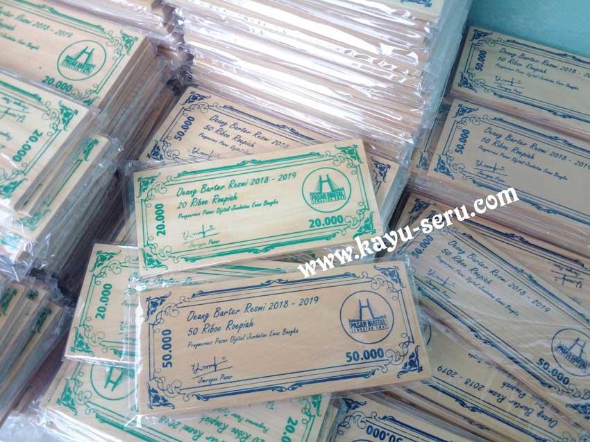 membuat uang kayu - Membuat Uang Kayu, Alat Tukar Pasar Digital