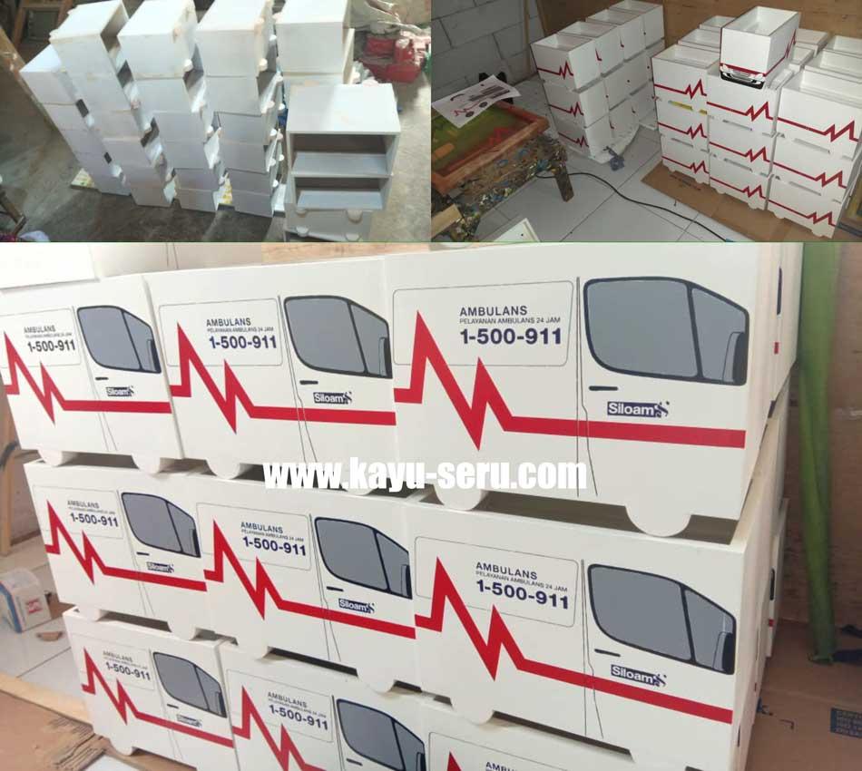 box mobil ambulance - Membuat Kotak P3K Bentuk Mobil Ambulance Dari Kayu