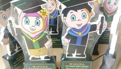 Pembuatan Plakat Wisuda TKIT - Pembuatan Plakat Kayu untuk Kelulusan TKIT Darul Ulum