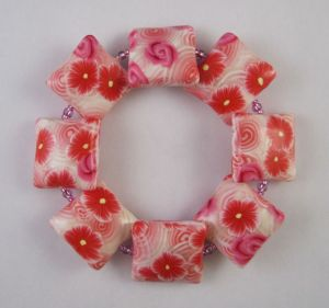 pillow bead pink bracelet