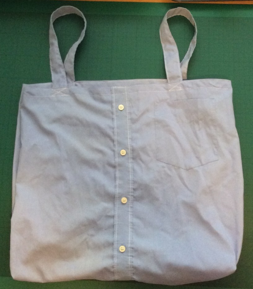 How to make a shopping bag from a shirt