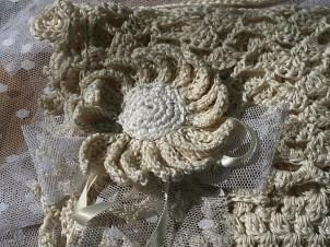 Pochette au crochet en coton pour future mariée sur mesure - Création et photo Kazamarie