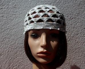chapeau_bord_perles_gris_blanc_02b