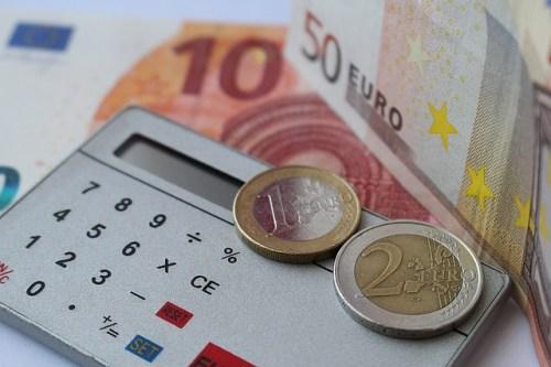 finance-635805_640