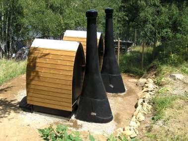 toilettes-publiques seches-kazuba-kl1 vue-de cote-orri-planes