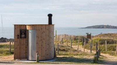 Toilettes Kazuba_ Plage de Kerouriec à Erdeven
