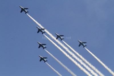 航空自衛隊の曲芸飛行チーム「ブルーインパルス」が航過飛行ほか今日の #スクラップ #2014 #5/31