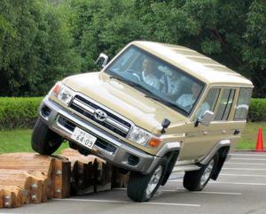 期間限定でトヨタ「ランクル70」10年ぶり発売ほか今日の #スクラップ #2014 #8/25