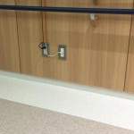 テレビ配線、見た目はイマイチだけど、安上がりなのかな? 仙台市立病院 http://t.co/usN09lhokH