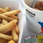 うみの杜、イルカを見ながら食べるシャークナゲット http://t.co/cDnZi4FALE