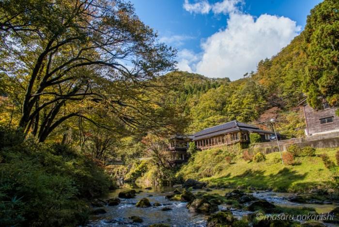 小松市・荒俣峡の紅葉