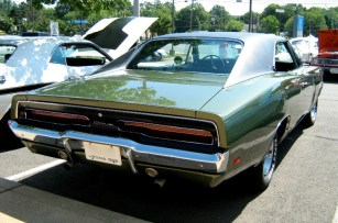 1969_Dodge_Charger_green_R