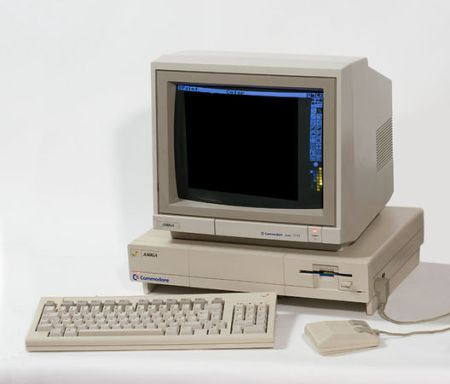 1985 год: Amiga 1000
