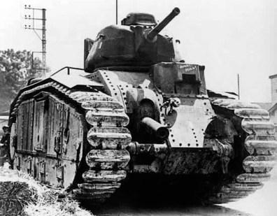 frantsuzskij-tank-char-b1-bis-01