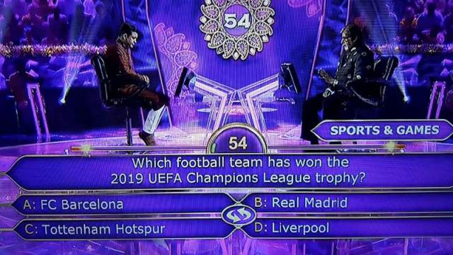 Ques : Which football team has won the 2019 UEFA Champions League trophy?