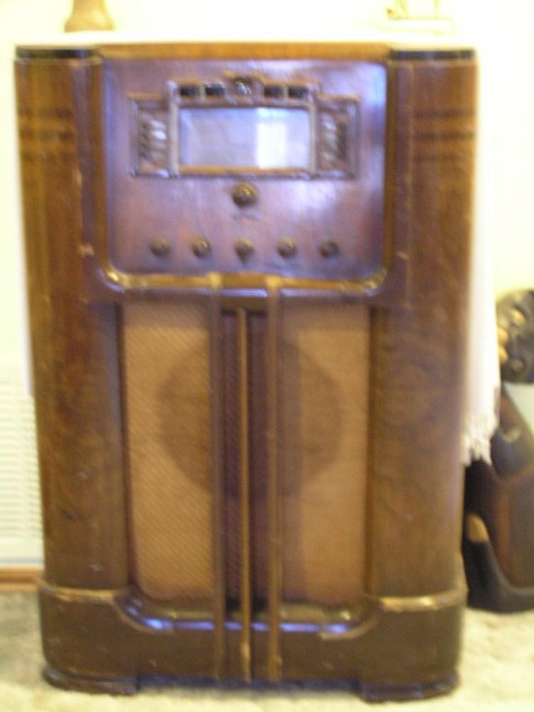 Old Radio (1/6)