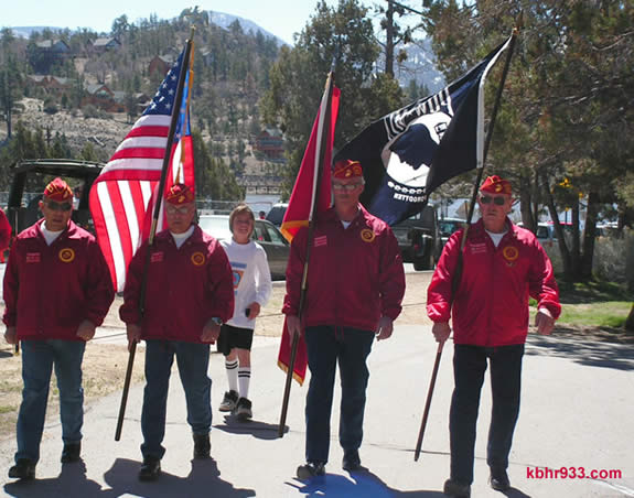The Marine Corps Detachment 1038 (and DWP team member Riley Chlebik) lead the 2008 Walk MS on the Alpine Pedal Path.