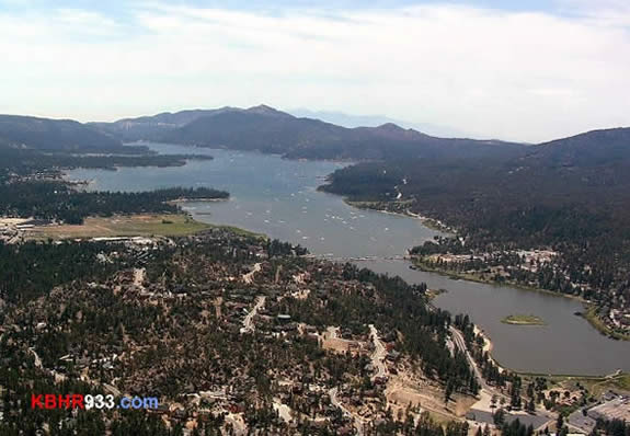 On July 4, 2008, it is estimated that a record 1,000 boats were on Big Bear Lake at one time. (This photo, looking at the lake from the east, was taken a couple hours before the 3pm record.)