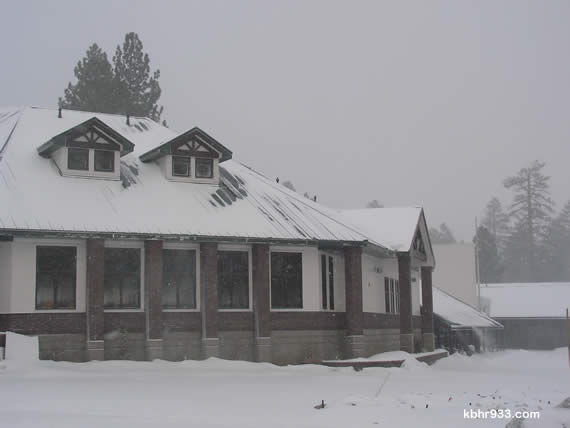 Schools are closed for Winter Break, though you may recall when last year's big storm prompted days of BVUSD snow days, and pushed Big Bear High School finals back to January.  This morning, snow blanketed the new library building at Big Bear Middle School (pictured), which is scheduled to be ready for students when school resumes on January 11.