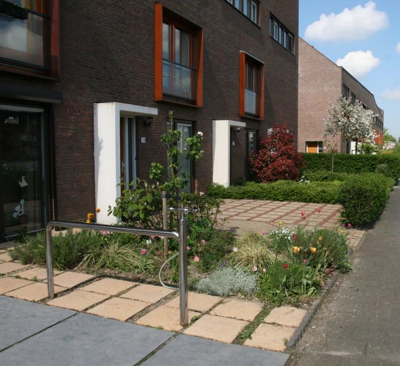 Heklucht on a driveway in Ypenburg