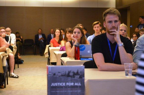 117 pjesëmarrës nga mbarë bota morën pjesë në Akademinë Verore Ndërkombëtare