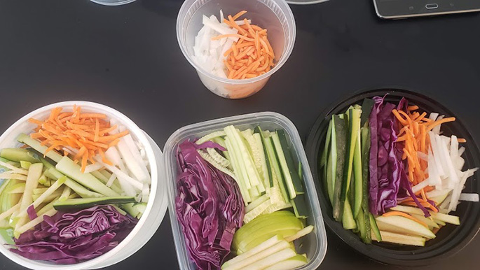 packing vegetables for cold buckwheat noodles