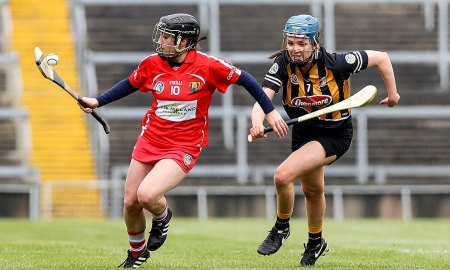 Cork's Amy O'Connor with Claire Phelan of Kilkenny Mandatory Credit ©INPHO/Donall Farmer