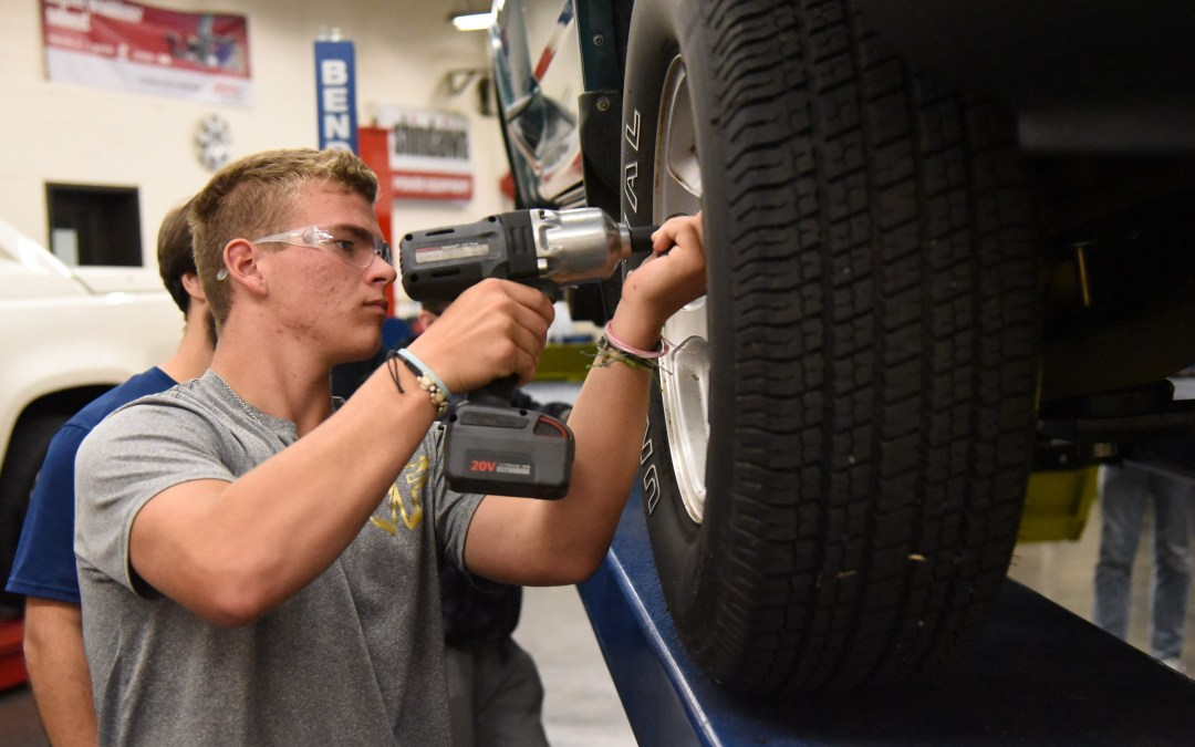 Top Wrench Contest  Fosters Auto Skills