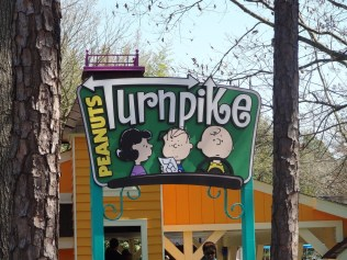 I have to say I love the signs through-out Planet Snoopy
