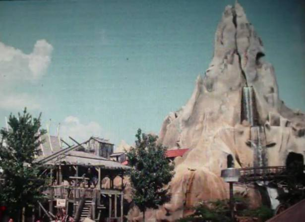 Volcano before all the rides were taken out. That waterfall is the highlight of the entire fixture! Photo from KD Golden Year's Facebook Page