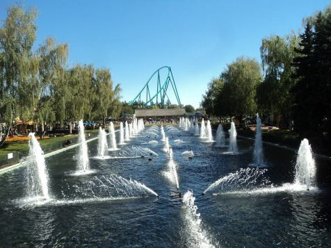 The black painted fountain pool at Canada's Wonderland.