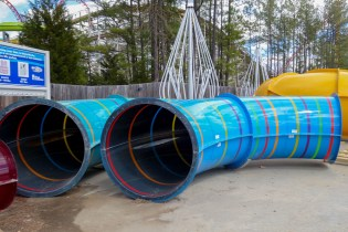 Thunder Falls also has easily some of the most gorgeous slide tubes in Virginia. Totally in love with the translucent stripes!