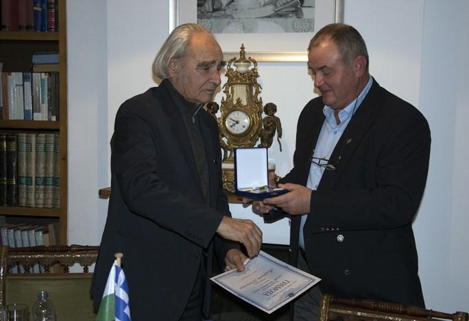 Академик Антон Дончев в Атина