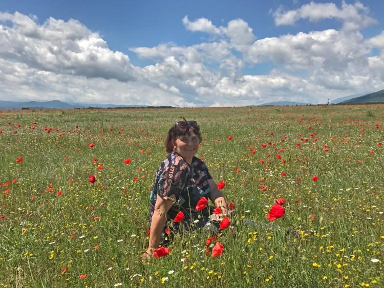 Мариана Кузманова и нейните звездни поетични послания