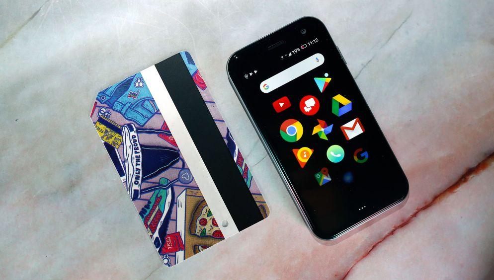 palm phone size comparison