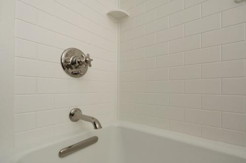 BathroomRemodel-2017-Web-09