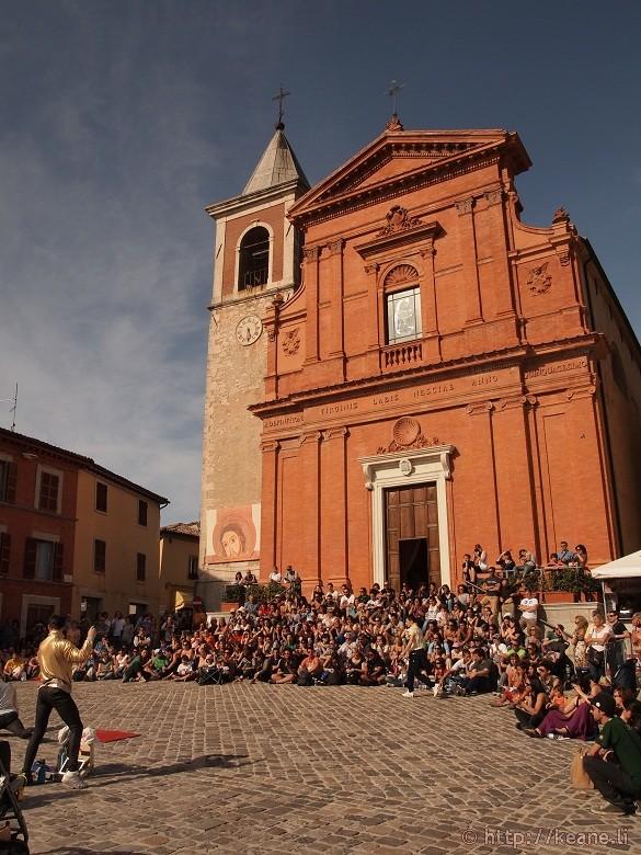 Artisti in Piazza - Lords of Strut perform in Piazza Vittorio Emanuele II